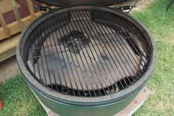 Plate setter and food grate in smoker