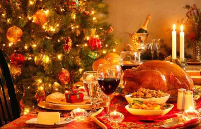 christmas table 1000x563